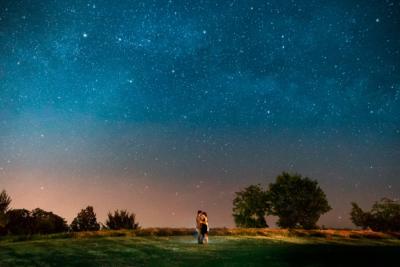 Ritratto sotto cielo stellato